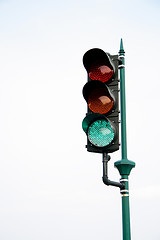Traffic Light, by johnmarchan, with Creative Commons licence